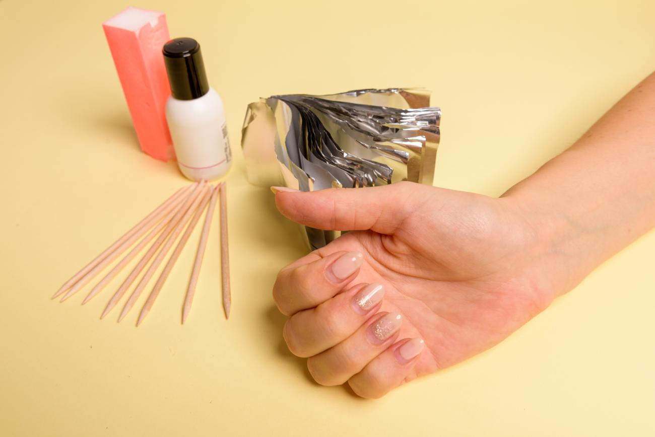 narzędzia potrzebne do zrobienia hybrydowych paznokci